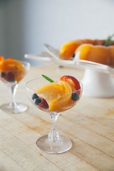 Fresh Peach & Champagne Gelée The ultimate refreshing summertime dessert, the key to this recipe is letting the gelatin partially set before adding the slic Sweet Desserts, No Bake Desserts, Dessert Recipes, Champagne Jelly, Grape Juice, Gelatin, Sweet Tooth, Sweet Treats, Desert Recipes