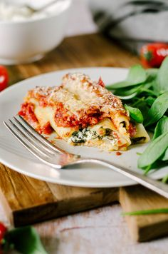 cannelloni ricotta epinard sauce tomate Batch Cooking, Easy Cooking, Sauce Tomate, Naan, Food And Drink, Healthy Eating, Eggs, Tasty, Healthy Recipes