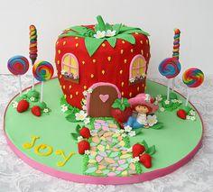 Gorgeous Strawberry Shortcake birthday cake by http://glorioustreats.blogspot.com/