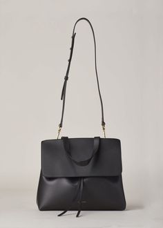 Mansur Gavriel Lady Bag (Black / Flamma) - large leather purse, handbag fashion, black purses for sale *ad Luxury Handbags, Fashion Handbags, Fashion Bags, Women's Handbags, Fashion Trends, Inspiration Dressing, Fashion Inspiration, My Bags, Purses And Bags