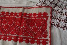 ★2015・3月更新 - FOLK ART Transylvania Textile Patterns, Textiles, Hungarian Embroidery, Hungary, Folk Art, Boho Chic, Graphic Design, Quilts, Blanket