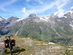 A wonderful day in Grossglockner (2504m) with my bike 경치좋은 오스트리아 알프스에서 자전거와 함께... #grossglockner #austria #alps #cycletouring #mountains #specialized #awol #자전거 #오스트리아 #산 #사진 #일상 #여행 #자연 by paulkim64