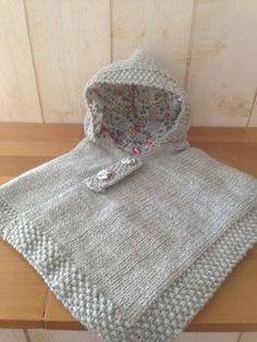 poncho bébé gris clair liberty et tricot avec du liberty betsy porcelaine