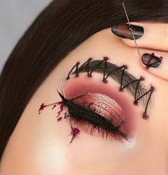 Are you ready for the idea of Halloween makeup looks? let's take a look at the best Halloween make-up we have. All Halloween costumes are included. Creative Eye Makeup, Eye Makeup Art, Scary Makeup, Horror Makeup, Zombie Makeup, Makeup Inspo, Makeup Ideas, Halloween Makeup Clown, Halloween Costumes
