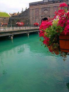 The entrance to Peschiera in Garda Italy @GardaConcierge