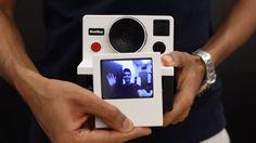 Uma câmera instantânea que fotografa GIFs animados