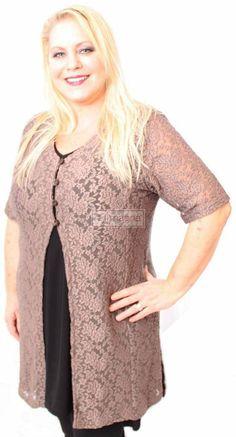 Magna Fashion Tuniek KIARA LACE TAUPE, en dit op een ecru of taupe of chocbruin jurkje/broek+shirt