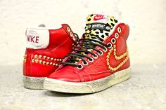 Nike Blazer Red Velvet Leo Gold Studs customized by Muffin ! #snaekers #muffinshop_it #muffinshop.it #fashion #style #shoes