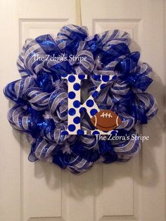 University of Kentucky Wildcat Football Deco Mesh Wreath. via Etsy. Kentucky Wildcats Football, University Of Kentucky, Wildcats Basketball, Family Crafts, Home Crafts, Diy Crafts, Christmas Projects, Christmas Diy, Holiday
