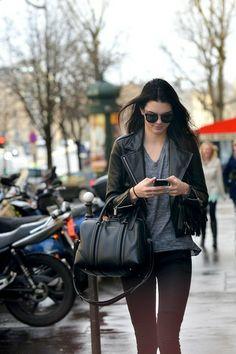 Kendall Jenner - Kendall Jenner Strolls in Paris