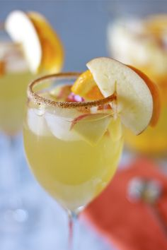Honey Crisp Apple Sangria. Just what I need!
