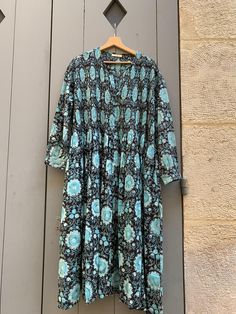 """Robe """"Kate"""" en coton imprimé à la main. Kate Dress, Paris, Printed Cotton, Button Down Shirt, Men Casual, Blouse, Mens Tops, Shirts, Women"""
