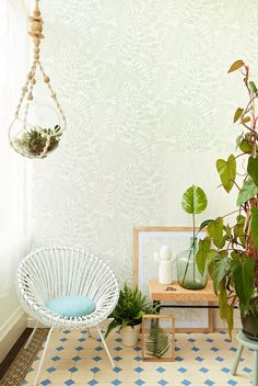 Add a natural print to your walls. This botanical wallpaper combines a medley of leaves for an intricate print. A beige background and green surface print make for a timeless look. Interior Design Living Room, Living Room Designs, Wallpaper Designs For Walls, Office Wallpaper, Asian Paints, Art Deco Stil, Bedroom Decor, Wall Decor, Botanical Wallpaper