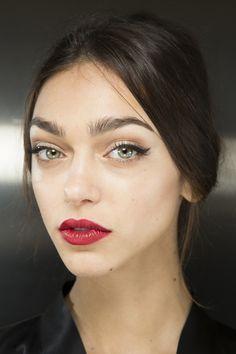 Модная тенденция осень-зима 2015-2016 - яркие сочные губы