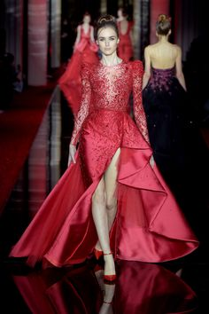 Zuhair Murad Couture Spring 2017 – WWD - much better, without split still mermaid Beautiful Red Dresses, Elegant Dresses, Nice Dresses, Festa Party, Designer Gowns, Mannequins, Couture Fashion, Marie, High Fashion