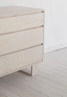 You Can Build This! Easy DIY Furniture Plans from The Design Confidential with Complete Instructions on How to Build a Steppe 6 Drawer Dresser via Timber Furniture, Cabinet Furniture, Design Furniture, Plywood Furniture, Furniture Projects, Modern Furniture, Plywood Floors, Bedside Cabinet, Kid Furniture