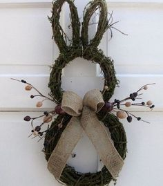 Primitive Country Easter Bunny Door Wreath, Rustic Easter craft ideas, DIY Easter craft ideas DIY Easter Crafts for Kids to Make this Holiday Season – Crafts and DIY IdeasFrühling Ostern DIY Dekoration Door Wreaths, Grapevine Wreath, Wreath Burlap, Spring Crafts, Holiday Crafts, Easter Crafts For Adults, Craft Ideas For Adults, Diy Y Manualidades, Diy Ostern