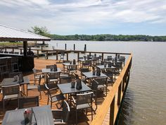 The ultimate guide to beaches, water activities and lakeside restaurants on lake norman and lake wylie Lakeside Cafe, Lakeside Restaurant, Floating Restaurant, Restaurants On The Lake, Catawba River, Surf, Videos Photos, Big Lake, Water Activities