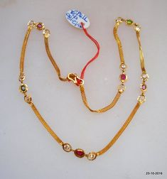 Traditional design gold chain necklace from Rajasthan India. Great handmade design, good for jewellery collection. Jewelry Design Earrings, Gold Earrings Designs, Gold Jewellery Design, Necklace Designs, Gold Temple Jewellery, Gold Chain Design, Gold Jewelry Simple, Gold Chains, Gold Necklace