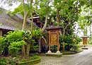 See the real Bali and stay 'off the beaten track' in luxury bungalows at affordable prices - a short, scenic walk from Ubud. Ubud, Packing Tips, Entrance, Bali, Travel Destinations, Gardens, Outdoor Structures, River, Mountains
