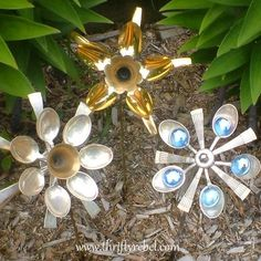 How to make {Cutlery Flowers} using {Spoons!}