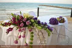 #Honor #Table #Groom #Bride #Flowers