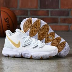 nice shoes 33fed b0f08 Cheap Wholesale Nike Kyrie 5 AQ2456-170 Irish White Metallic Gold-Pure  Platinum-
