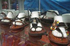 Acabo de compartir la foto de Sergio Reyna que representa a: Sandalias de cuero, Cusco