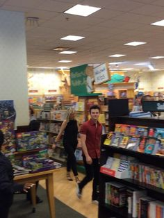He's here❤️...Los Angeles, CA: Barnes & Noble, The Grove, 7/19/14