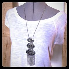 """Forever 21 Silver Boho Tassel Necklace Forever 21 Silver Boho Tassel Necklace. Almost 20"""" long to end of tassels. It is unworn. 324/490/041916 Forever 21 Jewelry Necklaces"""