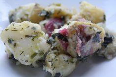 French Potato Salad (Ina Garten) My favorite potato salad Herbed Potato Salad, French Potato Salad, French Potatoes, Food Network Recipes, Wine Recipes, Cooking Recipes, Salad Recipes Video, Recipe Videos, Vegetarian