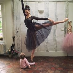 This is what fitness entrepreneur and ballerina, Mary Helen Bowers, eats and how she works out. Ballet Beautiful Workout, Mary Helen Bowers, Fitness Diary, Ballet Fashion, Just Dance, Life Is Beautiful, Ballerina, Ballet Skirt, Stylish