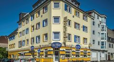 City Hotel Bremerhaven Located in Bremerhaven on the North Sea coast, the 3-star City Hotel offers comfortable rooms, free Wi-Fi and a large breakfast buffet. The main railway station is 500 metres away.
