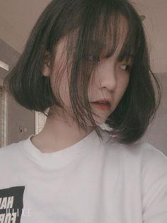 FOLLOW ME |HYUN| ♥ Korean Short Hair, Korean Girl, Asian Girl, Uzzlang Girl, Hey Girl, Shot Hair Styles, Girl Korea, Vietnam Girl, Hot Teens