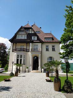 Steirerschlössl Red Bull Mateschitz Zeltweg Steiermark Red Bull, Mansions, House Styles, Home Decor, Outdoor Camping, Architecture, House, Decoration Home, Room Decor