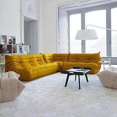 Togo sofa designed by Michael Ducaroy for Ligne Roset in 1973.