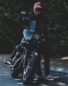 drippin like a leak you gonna need a mop Tracker Motorcycle, Bobber Motorcycle, Motorcycle Outfit, Harley Fatboy, Harley Bikes, Bobber Style, Bike Style, Harley Davidson Fat Bob, Harley Davidson Motorcycles