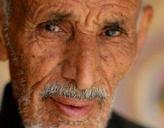 #RodAkelPhoto 5. Al Janadria 2009 الجنادرية Canon 1Ds Mark II Canon 85mm f/1.2 1/2500 #Portrait #FacesBeyondLife