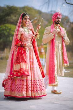 Real Indian Weddings - Pink and Gold Lehenga with the Groom in a Beige Sherwani and Pink Safa Sikh Wedding Dress, Punjabi Wedding Couple, Punjabi Couple, Wedding Suits, Wedding Couples, Wedding Ideas, Wedding Lehnga, Wedding Goals, Bride Dresses