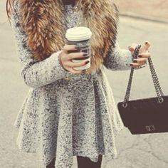 This coat is fabulous Vogue, Ootd, Fashion Beauty, Womens Fashion, Classy And Fabulous, Swagg, Dress Me Up, Autumn Winter Fashion, Winter Style