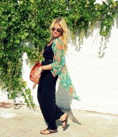Floaty kimono, vintage sandals Lainahöyhenissä/Lily