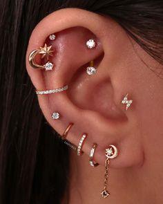 New Ear Piercing, Rook Piercing Jewelry, Unique Ear Piercings, Types Of Ear Piercings, Cute Piercings, Ear Jewelry, Body Jewelry, Piercing Ideas, Different Types Of Piercings