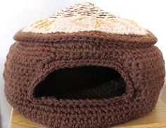 The Cat's Meow Cave - free super chunky crochet pattern by Jinty Lyons.