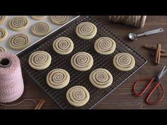 "BISCOTTI DI NATALE ALLA CANNELLA | facili e veloci, metodo ""slice and bake"" - YouTube Sweet Recipes, Biscuits, Cookies, Cake, Youtube, Diary Book, Noel, Love, Crack Crackers"
