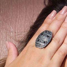 E para quem gosta de acessórios em banho prata velha mais discretos temos nosso Anel Nômade! Compre pelo site: ️www.artdecobijoux.com.br . Para atacado nos envie e-mail artdecobijoux@gmail.com #artdecobijoux #gipsy #pratavelha #trend #boho #onix