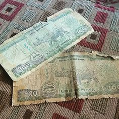 Just got given the oldest notes in #nepal... Well more battered old ones that no one wants