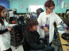 Um trabalho para um desfilde...  Uma grande transformação, fiz ao cabelo desta rapariga, foi um penteado muito interessante...