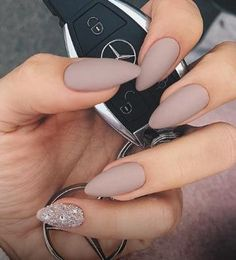 Nude Nail Polish Colors - Find The Best Neutral Design Nail Manicure, Gel Nails, Acrylic Nails, Matte Nails, Blue Nails, Matte Gel, Popular Nail Colors, Super Nails, Nail Polish Colors