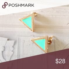 ❗️Anthropologie Mint & Gold Pyramid Earrings ❗️Anthropologie Mint & Gold Pyramid Earrings. Make an offer! Holiday Blowout Sale ends TODAY--giving to the first reasonable offer I receive! Enjoy discounts on bundles! Asap shipping ;-) Anthropologie Jewelry Earrings