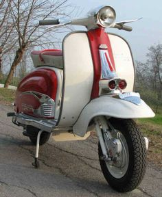 Don't really care the sickles, but I LOVE the Falbo horncast embellisher. Lambretta, Vespa Scooters, Steve Mcqueen, Greece, Motorcycle, Vehicles, Motor Scooters, Greece Country, Motorcycles